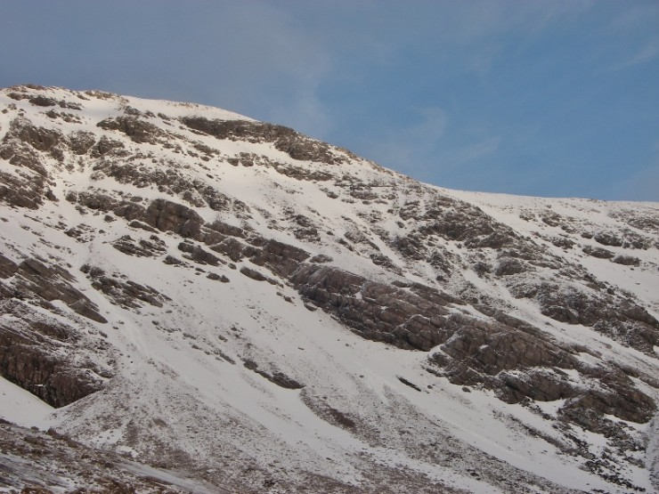 Small old wet slides observed, that came from high up. A few Ptarmigan around also!