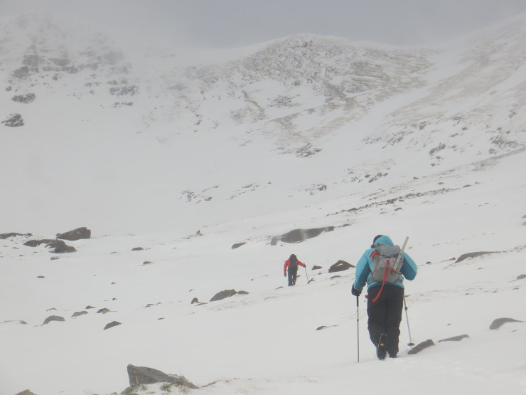 Into Coire an Laoigh and into the wind.