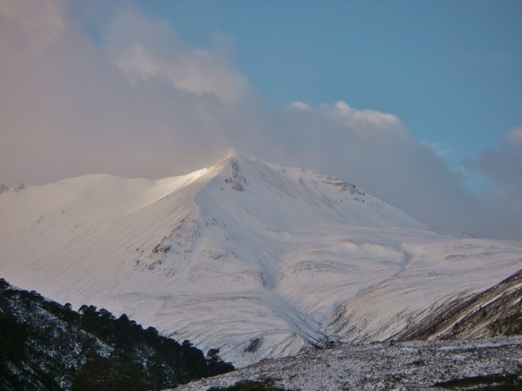 The usual view of Creag Dhubh, Beinn Eighe. It always clears on the way out!