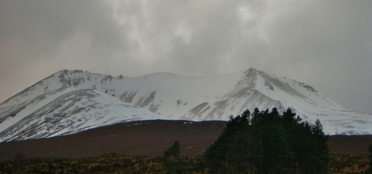 As usual, there is more snow on the east end of Beinn Eighe away from the coast.