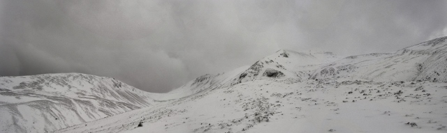 Coire Domhain and Creag Dhubh, Beinn Eighe. A patchwork of deep drifts and scoured areas.